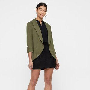 Vero Moda Uma Ivy Green Cropped Sleeve Blazer